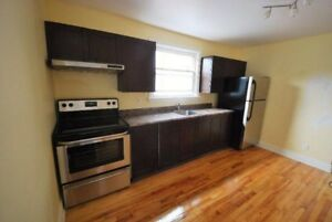 Bright & Renovated, Stainless Steel Fridge, Stove & Microwave ❤