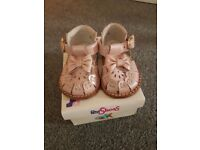 Pink spanish baby shoes