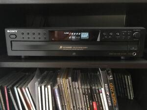 Lecteur 5 CD de marque Sony.