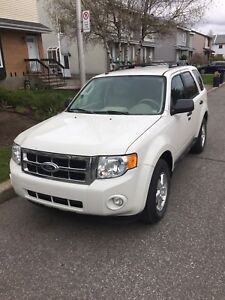 Reduced !Low kms 100,000. 2011 Ford Escape fwd ,4cly $5999