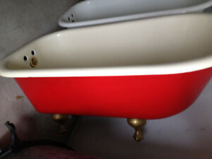 Old Fashion Tubs on Legs