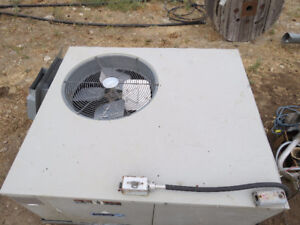 CARRIER AIR CONDITIONER ROOF TOP