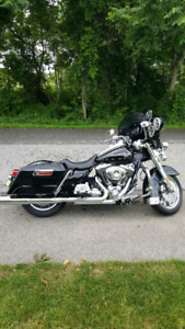 REDUCED ! 2009 Harley Davidson Road King FLHR - priced to sell