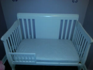 Stork craft convertible  4-1 white sleigh crib