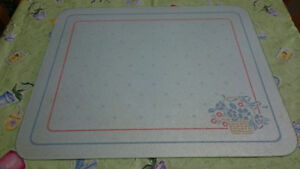 Large Glass Cutting Board & 2 Placemats