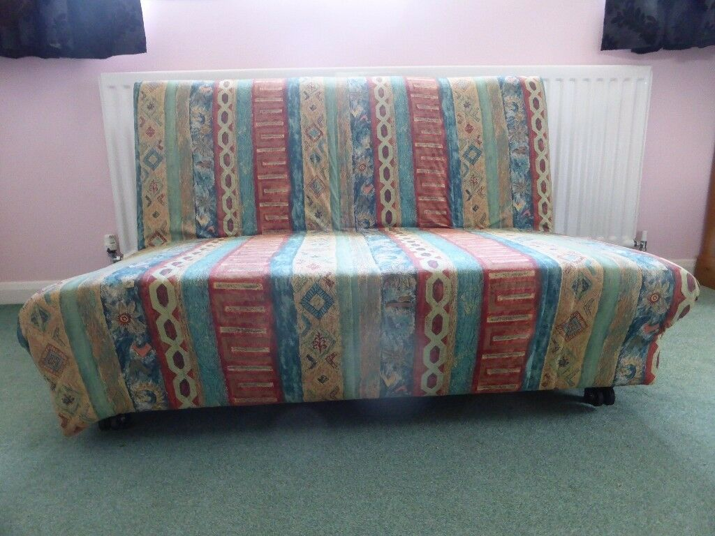 Sofa bed 4 widegood condition. Perfect as spare bed. Rock n roll mechanismin Wimborne, DorsetGumtree - Sofa bed 4 wide good condition. Perfect as spare bed. Rock n roll mechanism. Easy to use