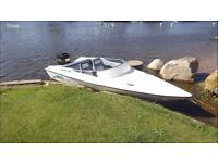 Driver 440 speedboat with mooring