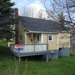 For sale 1 1/2 storey 3-4 bedroom cozy home on 9 Fishers Road
