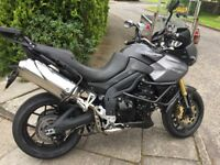 TRIUMPH TIGER SE 1050 ABS 2011 IMMACULATE BIKE WITH COLOUR MATCHED 3 BOX LUGGAGE FROM NEW.