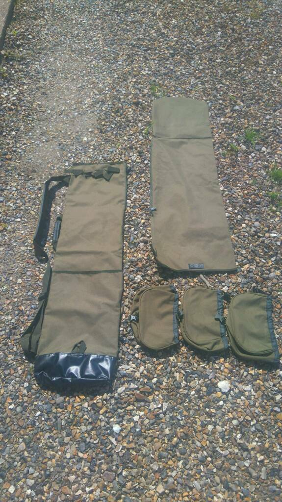 Esp 5 rod quiver and 3 reel pouches