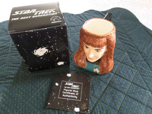 STAR TREK THE NEXT GENERATION- FIGURAL CERAMIC MUG