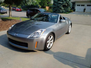 LOW KM!!! 2004 Nissan 350Z Grand touring Convertible