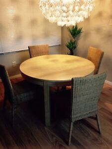 IKEA BJURST Extendable Table w/ 4 Chairs