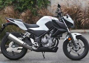 NEW ... 2015 Honda CB300F ABS 3900kms ......... will PRICE MATCH