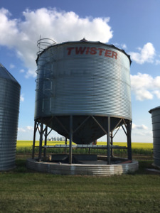 19' Hopper Bottom Bin with Areation