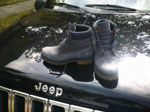 Timbeland Boots. Grey/blue. Barely worn, great condition.