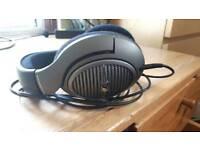 Sennheiser HD 518 Over Ear Headphones