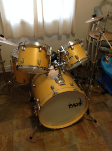 Taye 5 Piece Kit Great Condition $550