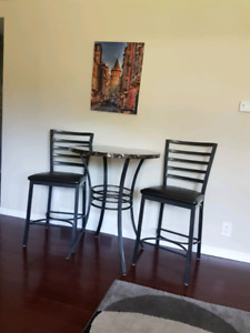 Dining table for two just like brand new for 250$