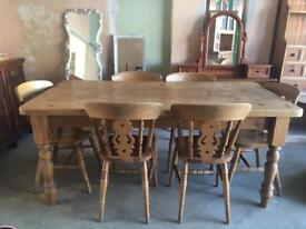 Beautiful farmhouse dining table and 6 farmhouse chairs