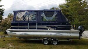 2014 Sylvan 22 ft Pontoon Boat