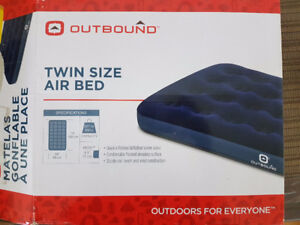 Queen Size Air Bed - Free Pump
