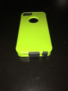 BRAND NEW IPHONE 5/5S OTTERBOX CASE
