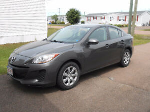 2013 Mazda3 DX Sedan: Low kms w/ remaining powertrain warranty