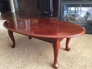 Nice Oval Coffee table in very good shape