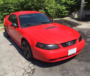 ** 2001 Ford Mustang Coupe -- 3.8L V6 Auto Trans **