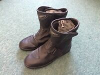 Ladies leather motorcycle boots