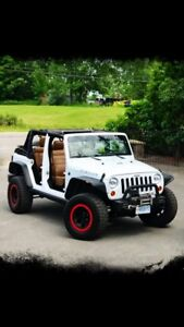 Mint condition 2011 Jeep Wrangler unlimited - Rubicon edition