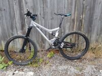 Costume build Giant trance full suspention mountain bike very nice ride smooth 18/5 frame bargain