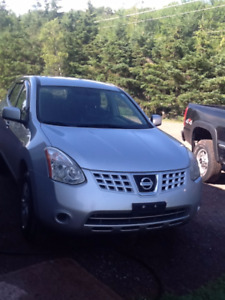 2010 Nissan Rogue Hatchback with remote starter