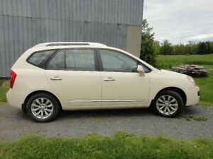 2011 Kia Rondo SUV, Crossover - Low mileage!