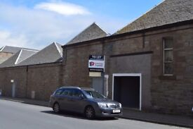 Retail office / storage space to let mains road £400 total floor area 750 square ft