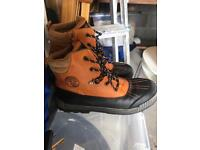 Boys Snow Boots size 5