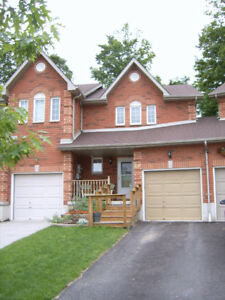 Super Clean and Gorgeous 3 Bedroom Home Southwest Barrie