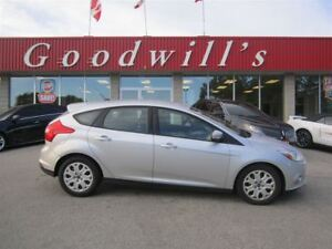 2012 Ford Focus SE! CLEAN CARPROOF! HEATED SEATS!