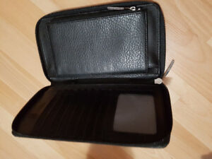 Black Wallet by Matt & Nat