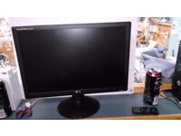 "LG WIDESCREEN 19"" MONITOR WITH POWER CABLE GREAT CONDITION"