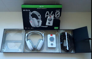 BRAND NEW WHITE ASTRO A40 TR WITH MIX AMP PRO for XBOX PC AND MA