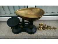 LOVELY SET OF TRADITIONAL CAST IRON KITCHEN SALES WITH IMPERIAL LOOSE WEIGHTS