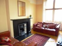 Well-presented first floor flat in quiet residential area of Hillside, close to Leith Walk