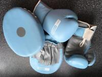 Ladies boxing gloves and pads