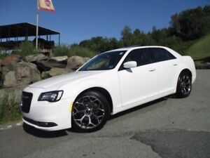2016 Chrysler 300 300S (3.6L V6, HEATED LEATHER, PANORAMIC ROOF,