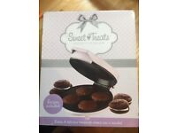 New/boxed - Sweet treat pie maker