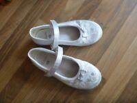 girls wedding type shoes