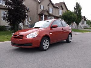 2010 Hyundai Accent L Coupé (2 portes)