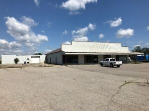 8500 sqft commercial space for lease